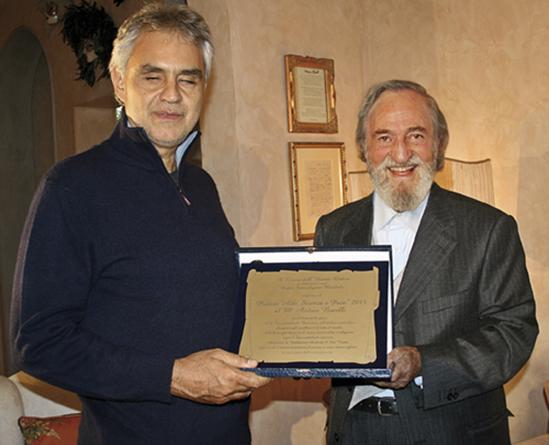 Consegna del Premio al Tenore Andrea Bocelli
